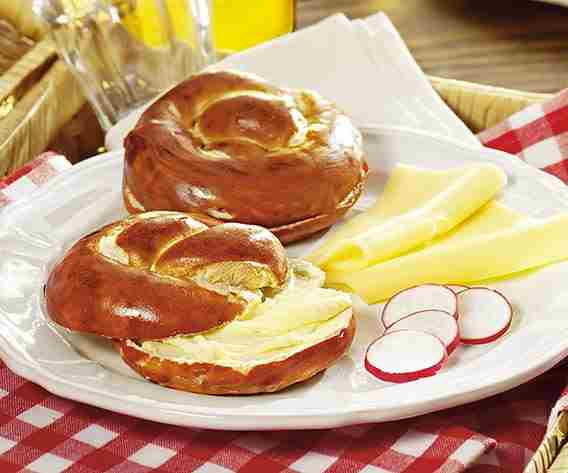 Backwaren Laugenbrezel mit Butter bofrost
